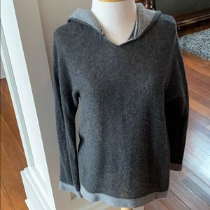 Sams Fifth Avenue women's cashmere hooded sweater